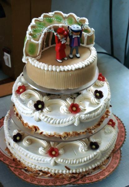 3-stöckige Hochzeitstorte