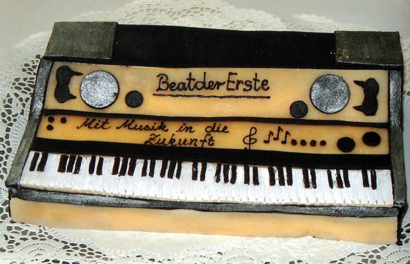 Geburtstagstorte Keyboard